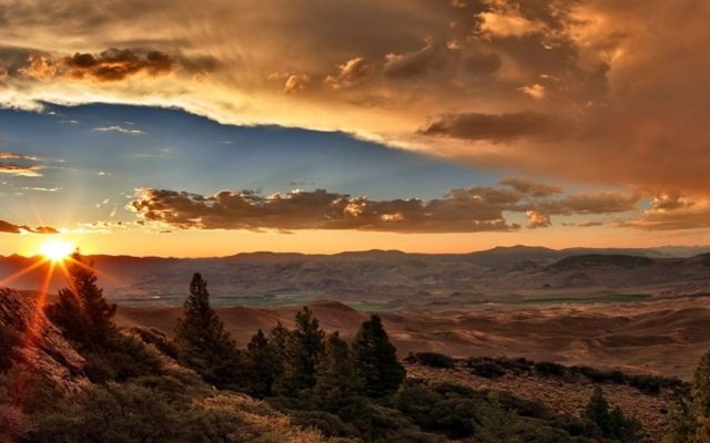 218362-sunset-clouds-valley-desert-hill-trees-nature-landscape-736x459