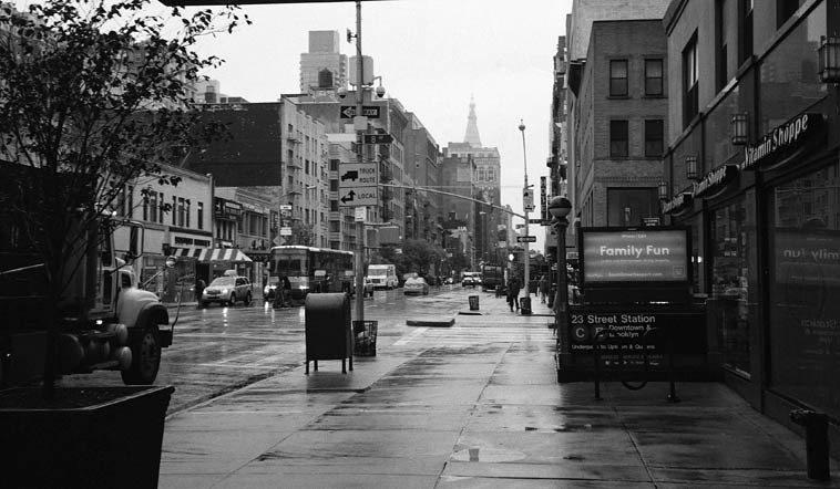 10:15am -- 8th Avenue & 23rd, Chelsea, Manhattan -- November 17, 2o14 -- photo by Mark Weber