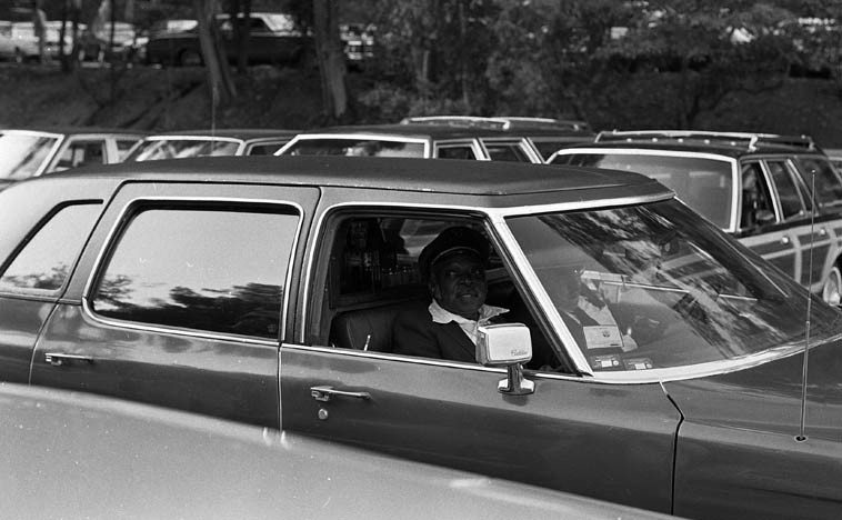 Ridin' in style: Count Basie arrives at Hollywood Bowl ---- The quiet genius behind the idea  of a band put together out of riffs ---- June 20, 1981 -- photo by Mark Weber