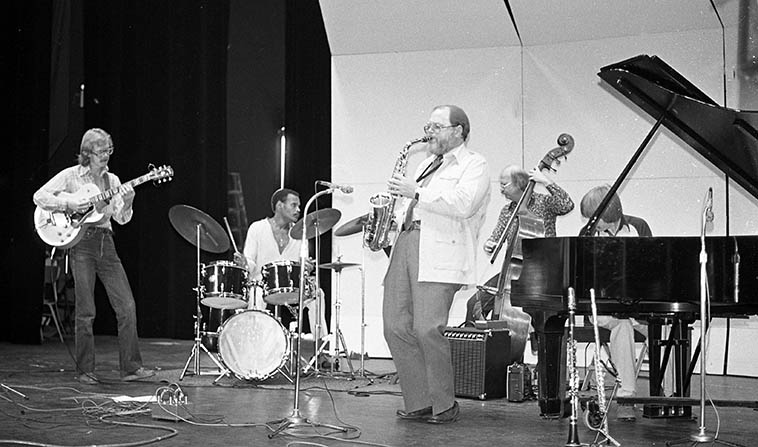 Gary Foster - Alan Broadbent Quintet: April 19, 1980, Chaffey College, Alta Loma, California ---- Steve Solder, drums; Putter Smith, bass; Danny Embree, guitar; Alan Broadbent, piano; Gary Foster, alto saxophone -- photo by Mark Weber