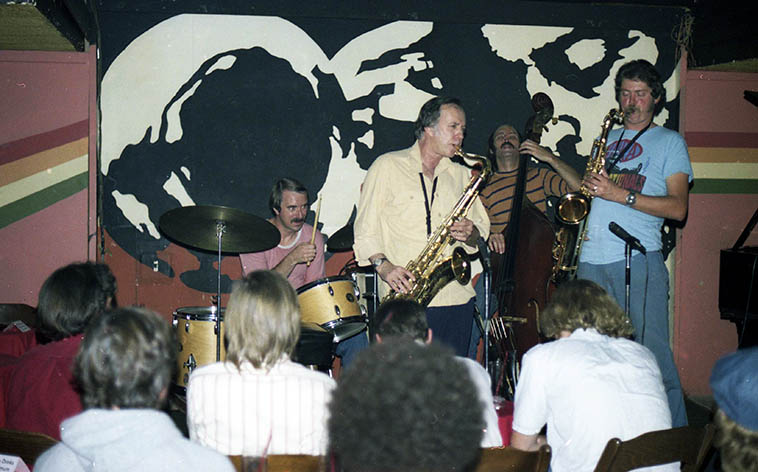 Warne Marsh-Pete Christlieb Quintet: Fred Atwood, bass; John Dentz, drums; Lou Levy, piano -- October 7, 1976 -- photo by Mark Weber at Donte's, North Hollywood, California