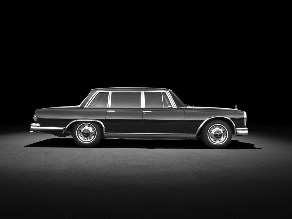 63_Mercedes-600-W100-Sedan-