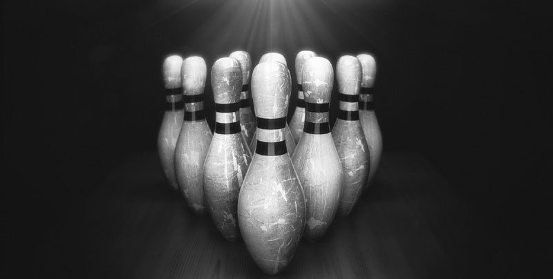 bowling_pins_by_djreko-d30u