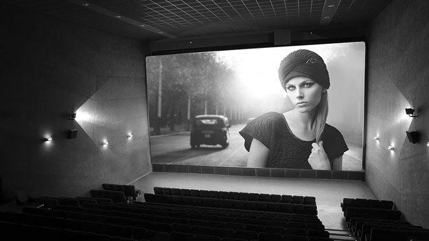 vintage-movie-on-cinema-scr