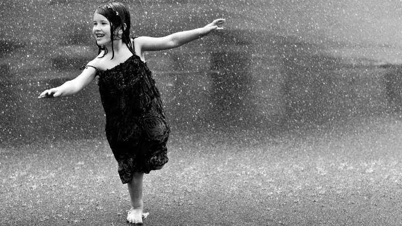 children-dancing-on-rain-hd-images